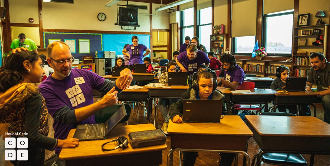 Advicent volunteers at Hour of Code